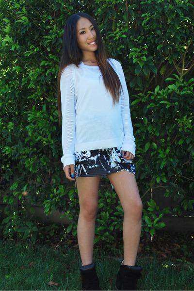 ivory rag & bone sweater - Helmut Lang skirt - Isabel Marant sneakers