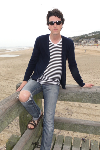 united colors of benetton top - Cheap Monday top - Levis jeans - Kurt Geiger sho