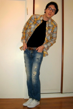 Secondhand shirt - t-shirt - Zara jeans - Keds shoes