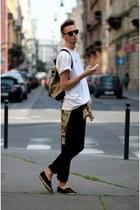 black Zara jeans - ivory vintage shirt - bronze Benzol bag bag