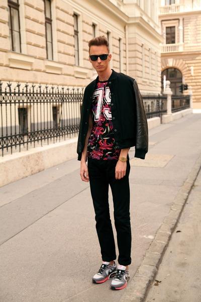 black nike airmax nike shoes - black bomber jacket H&M jacket