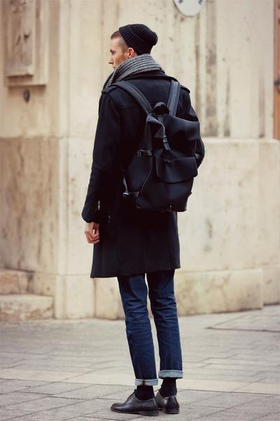 black H&M shoes - black H&M coat - navy vintage jeans - black bag