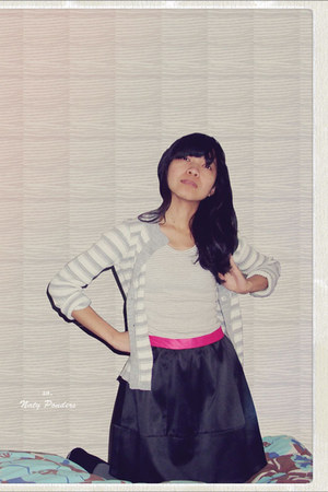 hot pink skirt - black umbrella H&M skirt - silver thermo leggings