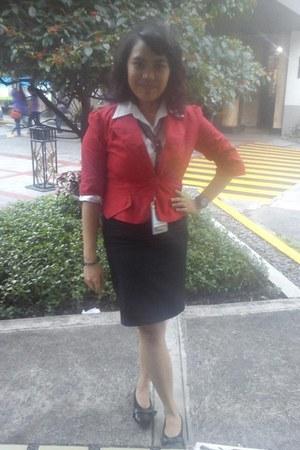 black leather mario d boro shoes - red cotton blazer - ivory cotton giordano top