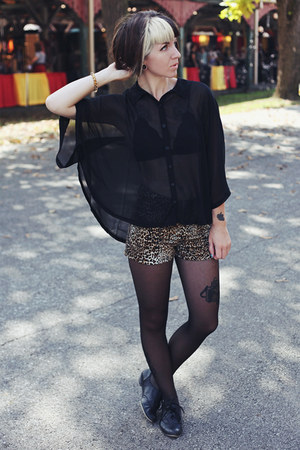 black cape Forever 21 blouse - black oxfords big buddha shoes