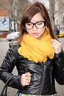 Black-h-m-jacket-mustard-forever-21-scarf