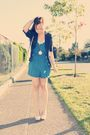 Blue-heritage-shorts-beige-shoes-beige-bag
