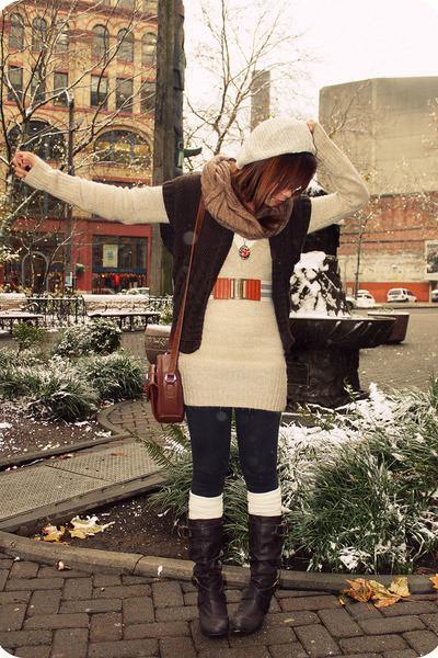 tan Ross sweater - tan Love Culture hat - brown hallogen cardigan
