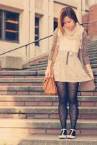 beige Forever 21 skirt - black Forever 21 stockings - beige H&M scarf