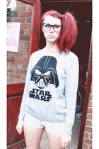 heather gray star wars H&M jumper - off white denim studded River Island shorts