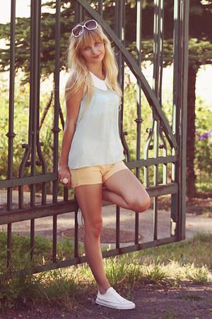 VANCL shorts - VANCL sunglasses - VANCL blouse - VANCL sneakers