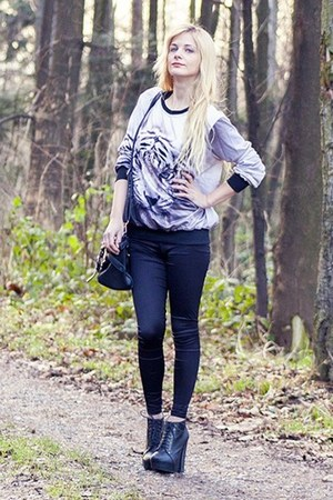 black Sheinside blouse