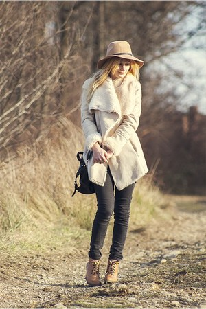 cream Bershka coat
