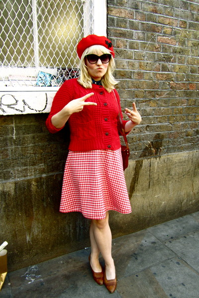 gingham 1950s thrifted vintage skirt - ruby red beret Tara Starlet hat