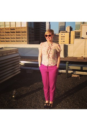 white 1940s print Urban Outfitters blouse - magenta wool Jcrew pants