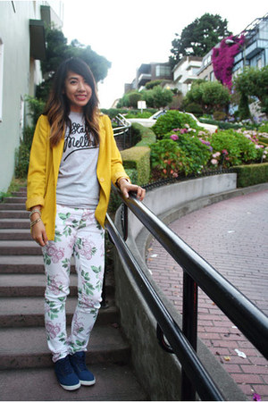 Pink Zone jeans - H&M blazer - MellowOrange shirt - H&M sneakers