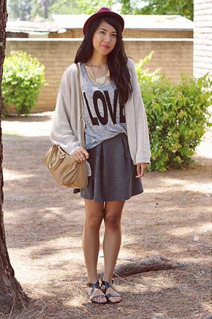 black H&M sandals - brick red fedora mark hat - beige Mango bag - gray H&M skirt