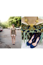 H&M shorts - Stradivarius heels - scarf print Pink Manila top