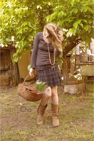 Camaeu top - mim skirt - boots boots - from a friend  necklace