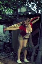 Fiona Viverelli scarf - La Redoute t-shirt - rip curl shorts - Sebago Docksides