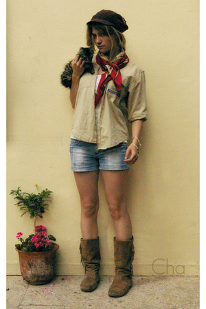 found in the street hat - Fiorella Visconti scarf - Daniel Cremieux blouse - Cac