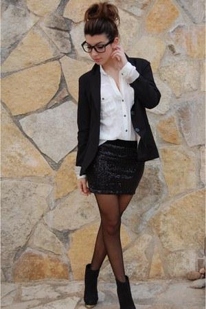 Stradivarius skirt - Bershka boots - Bershka blouse - Bershka belt