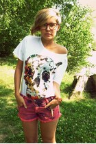 white H&M t-shirt - hot pink New Yorker shorts - dark brown H&M glasses