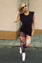 magenta Romwecom leggings - gold H&M sunglasses - black Zara top