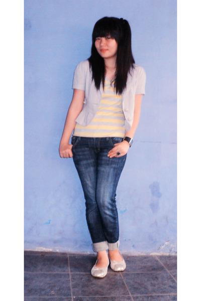 gray Thrift Store blazer - yellow Seventeen t-shirt - blue unbranded jeans - bei