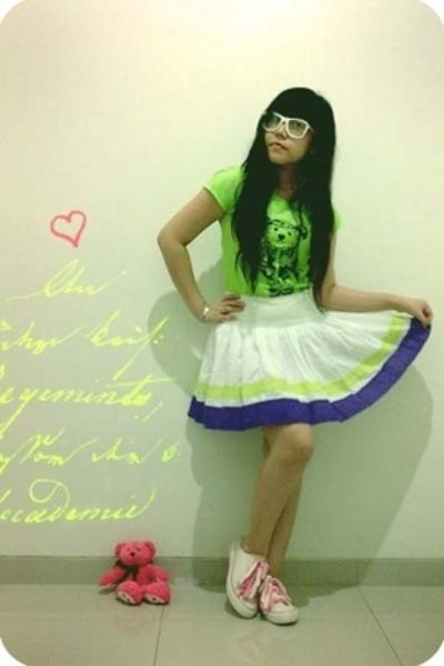 unknown t-shirt - Mango skirt - random from Hong Kong shoes - Ray Ban lookalike