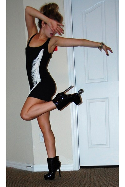 black HenriGirl dress - black Bebe boots