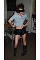 gray Piko top - black motorcycle boots - black leather Forever 21 shorts