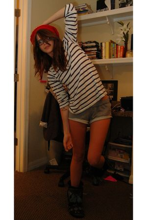 red Henri Girl hat - white H&M shirt - gray Forever 21 shorts - gray Urban Outfi