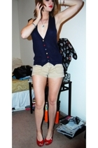 forever 21 vest - hollister shorts - shoes