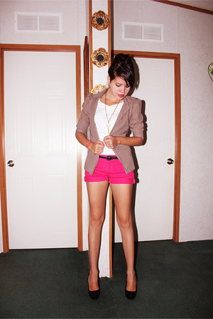 hot pink arizona jeans shorts - light brown thrifted blazer - white lei blouse
