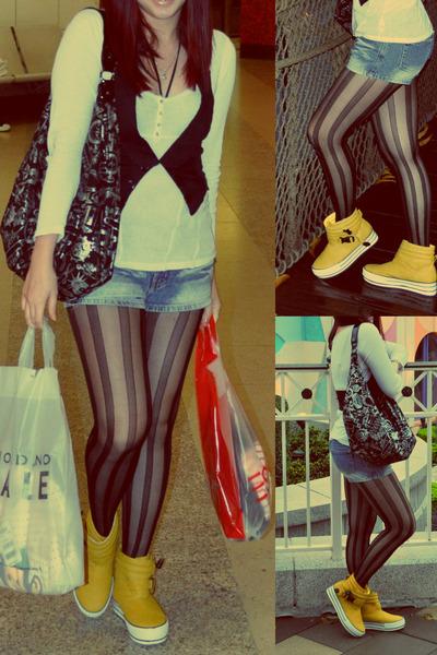 mustard hongkong boots - black Betsey Johnson bag - blue denim shorts