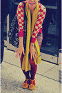 Mustard-zara-scarf-maroon-retro-jacket-black-betsey-johnson-bag