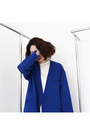 Blue-blazer-fashiontoany-jacket-white-skirt-fashiontoany-skirt