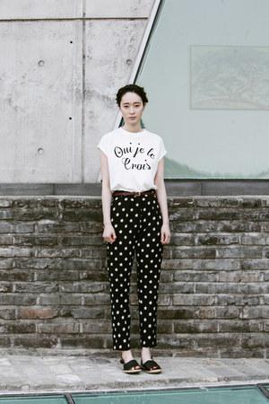 white sleeveless FashionToAny top - black floral FashionToAny pants