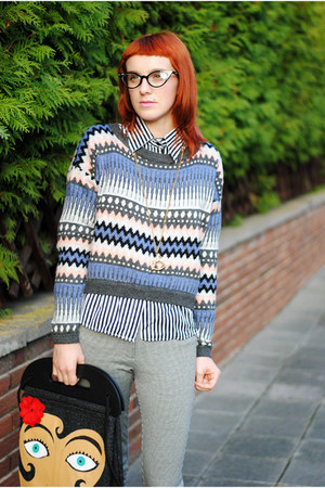 violet sweater - black shirt - dark gray glasses