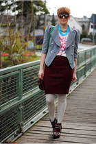 maroon skirt - brick red boots - blue t-shirt