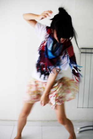 t-shirt - uniiko skirt - cotton on scarf