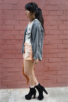 black jemma lookalikes boots - light orange denim shorts thrifted shorts