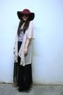 Beige-secondhand-cardigan-maroon-forever-21-hat