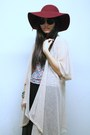Beige-secondhand-cardigan-maroon-forever-21-hat