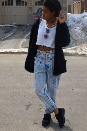 black wool Forever 21 hat - blue acid wash baggy thrifted jeans
