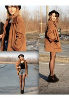 vintage coat - vintage hat - vintage bag - Levis shorts - Topshop wedges