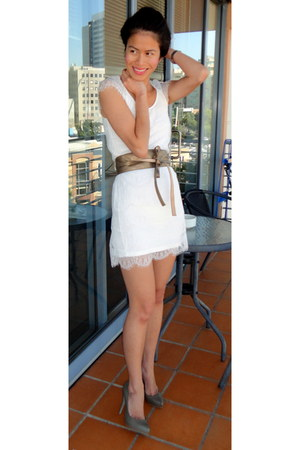 white lace unknown brand brand dress - dark khaki Zara heels - gold obi supre be