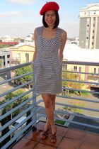 navy striped unknown brand dress - red beret unknown hat - tawny strappy sandals