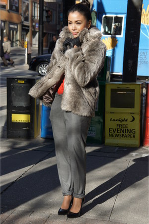 Forever 21 coat - Zara top - Zara pants - Aldo heels - FCUK gloves